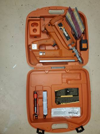 Photo Paslode Cordless Framing Nailer - $150 (Hendersonville)