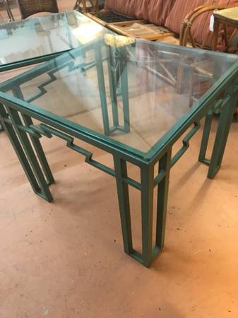 Photo QUALITY HEAVY GREEN WROUGHT IRON SIDE PATIO TABLETHICK GLASS TOP - $225 (ASHEVILLE, NC)