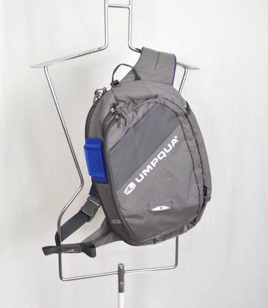 Photo Umpqua Steamboat 1200 ZS Sling Pack Bag Fly Fishing Trout - $75 (West Asheville)