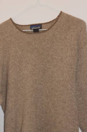 Photo Womens Patagonia Sweater Like New - $25 (Asheville)