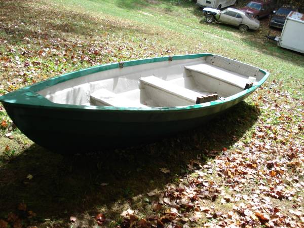 Photo fiberglass jon boat - $250 (tri cities)