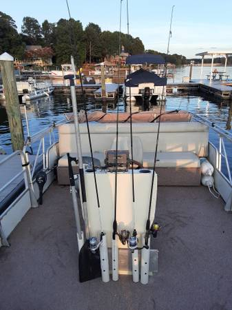 Photo pontoon boat for sale - $5,000 (Conover)