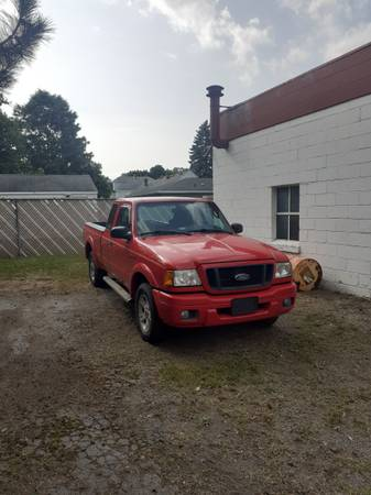 Photo 2005 FORD RANGER EXT. CAB.....PARTS or Fix and drive - $550 (Camillus)