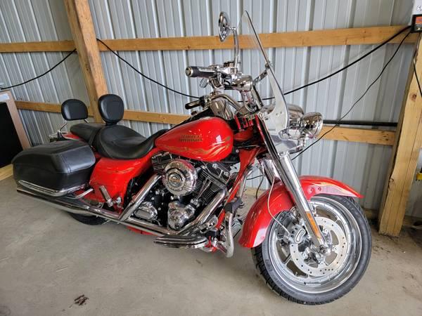 Photo 2007 Harley Davidson Road King CVO - $11,000 (Pulaski)
