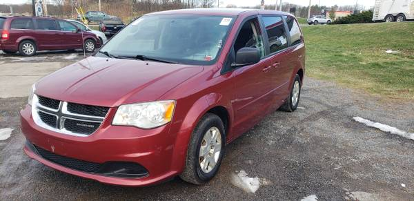 Photo 2011 Dodge Grand Caravan - $6900 (Central Square)