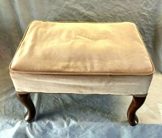 Photo Antique Wooden Queen Anne Lergs Bench, Upholstered Foot Stool - $40 (SYRACUSE)