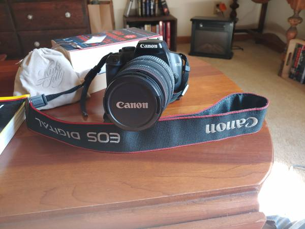 Photo Canon Rebel XS DSLR Camera, 18-55mm  70-300mm lens - $200 (Syracuse)