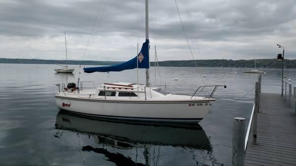 Photo Catalina 22 Sailboat - $3999 (Skaneateles, NY)