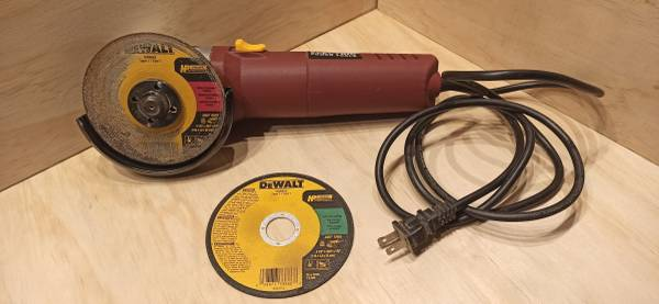 Photo Chicago Electric 4-12Heavy Duty Angle Grinder - $15 (Syracuse)