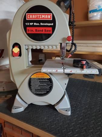 Photo Craftsman Bench Top Band Saw - $75 (Scott)