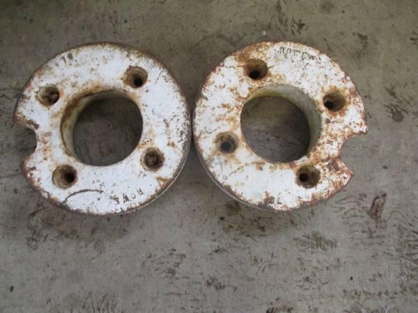 Photo Cub Cadet, John Deere garden tractor 12quot 80 pound each wheel weights - $199 (Minetto)