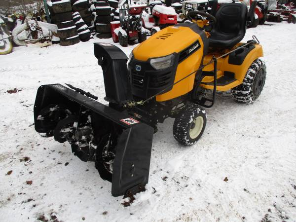 Photo Cub Cadet XT3 garden tractor with 54quot deck and 48quot blower - $4,295 (Minetto)