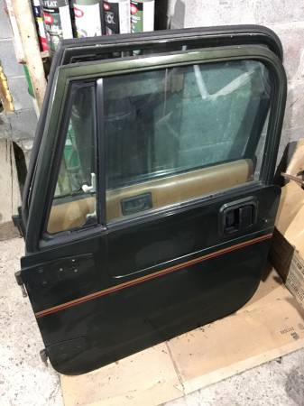 Photo Jeep Wrangler YJ Sahara (86-95) Full Doors - $800 (LaFayette)