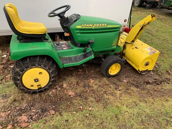 Photo John Deere 335 garden tractor with snowblower - $3,500 (Hannibal)