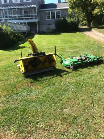 Photo John Deere 47 snowblower and 62d drive on mower - $3,500 (Mexico)