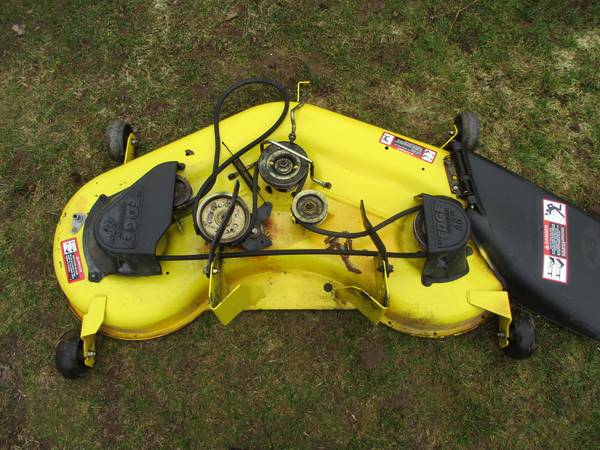 Photo John Deere LA120 LA130 D140 D150 D160 48quot mower deck - $249 (Minetto)