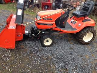 Photo Kubota garden tractor with snowblower - $6,800 (Hannibal)