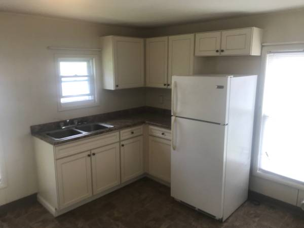 Photo Large two bedroom  home office (Far west side)