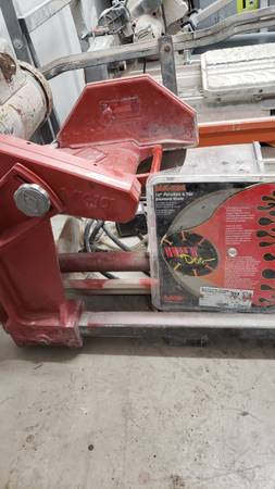 Photo MK 101 tile saw with stand and new blade - $500 (Cato)