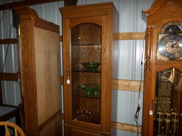 Photo Matching China  Curio Cabinets - $199 (Syracuse Area)