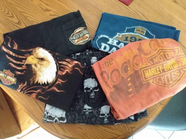 Photo Mens Harley Davidson Shirts and Lounge Pants - Small - $50 (East Syracuse)