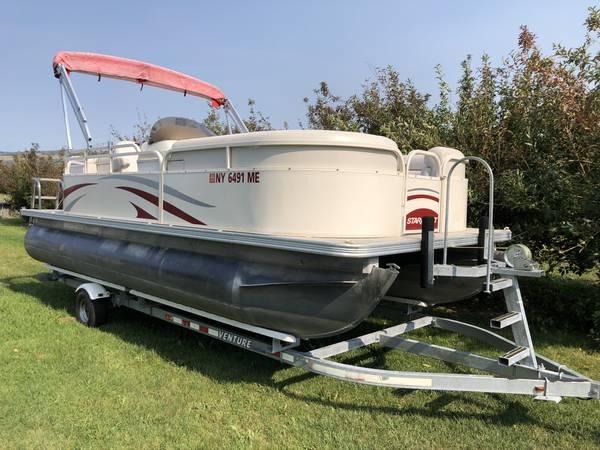 Photo Pontoon Boat For Sale w Trailer - $9,500 (Skaneateles, NY)