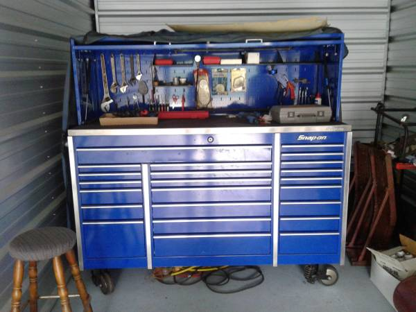 Photo SNAP-ON TOOLS AND TOOL BOX - $20000 (Syracuse)