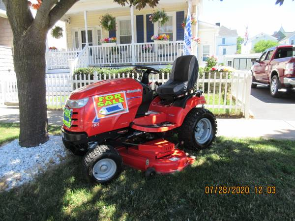 Photo Simplicity Prestige 30Hp 4x4 Riding lawn and garden tractor - $6,300 (Oswego)