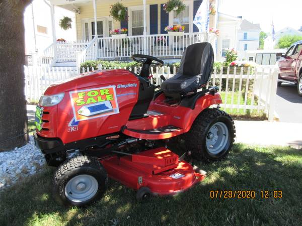 Photo Simplicity Prestige 4x4 Riding lawn and garden tractor - $6,495 (Oswego)