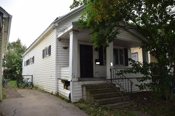 Photo Single Family Fixer Upper For Sale Dont Miss Out (Syracuse NY)