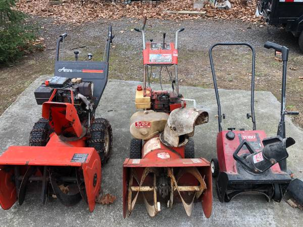 Photo Snow blowers fix or parts - $250 (Liverpool)
