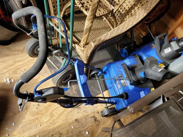 Photo Snow joe Snow blowers 2 each - $90 (Syracuse)