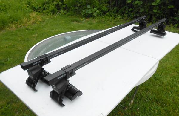Photo Sport Rack (Thule), for vehicles with plain roof, - $125 (syracuse)