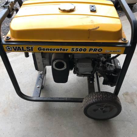 Photo Valsi 5,500-Watt Pro Generator w4-outlet pigtail - $350 (Constantia)
