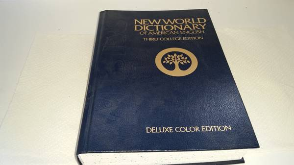 Photo Websters New World Dictionary American English - $10 (Baldwinsville)