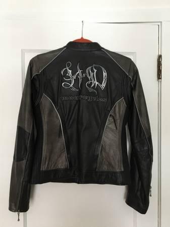 Photo Womens Harley Davidson Leather Jacket and gloves - $200 (Auburn)