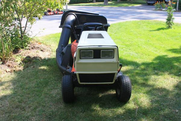 Photo lawn tractor for sale - $375 (Camillus)