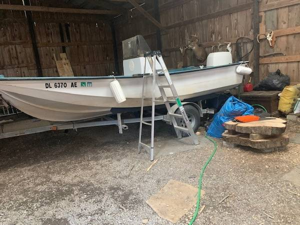 Photo mckee craft 17 center console awesome open platform MUST GO MAKE OFFER - $2,500 (pompey, ny)