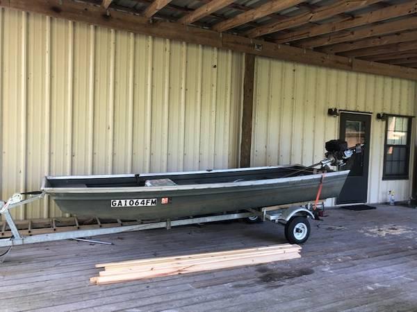 Photo 1436 Jon boat w backwater mud motor - $2,250 (Tallahassee)