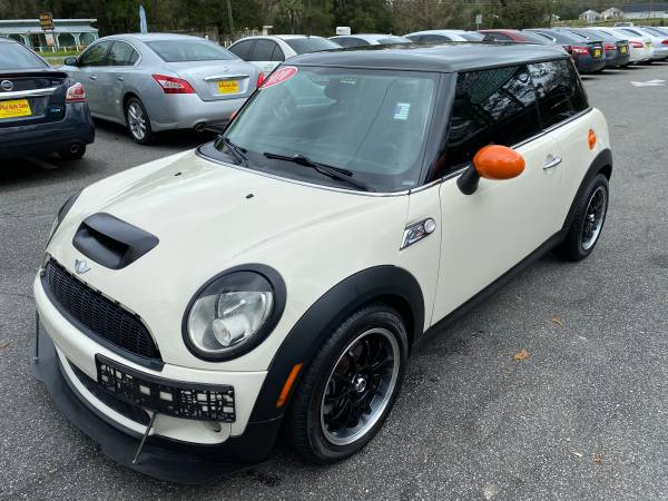 Photo 2010 MINI COOPER S HATCHBACK UPGRADES SUPER CLEAN $6500 CASH PRICE - $6500 (A-PLUS AUTO SALES)
