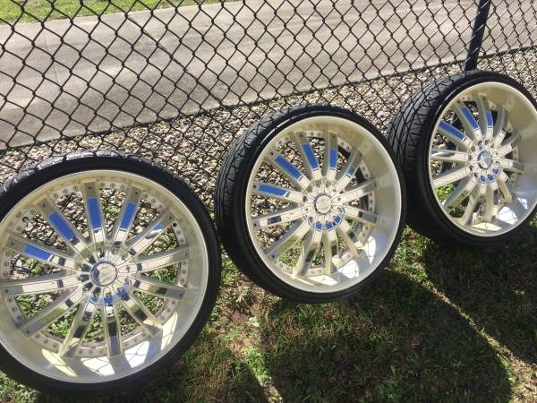 Photo 22 inch rims with new tires - $999 (Tallahassee)