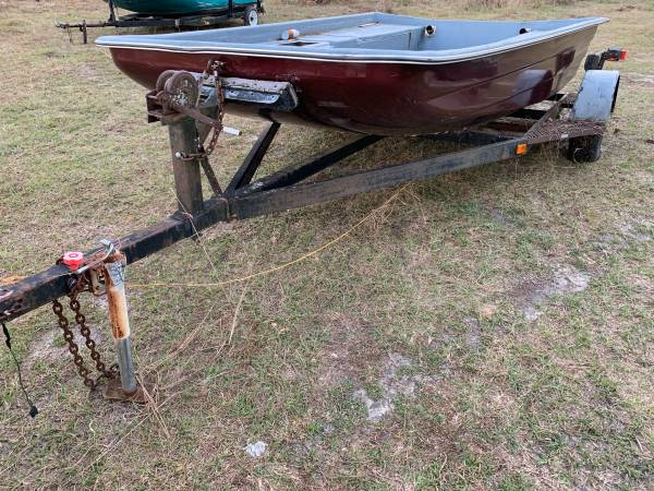 Photo Airboat Hull and trailer - $1200 (Monticello)