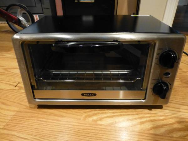 Photo Bella 4 Slice Toaster Oven - New - $44 (Near Midway and the Flying J Truck Stop on Hwy 90 West)