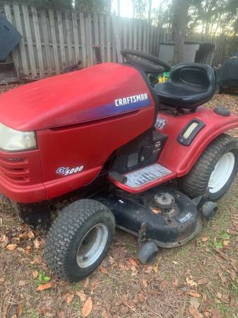 Photo Craftsman GT5000 Riding Mower - $500 (Tallahassee, NE)