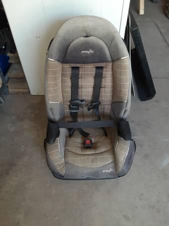 Photo Evenflo Car seat (Gainesville)