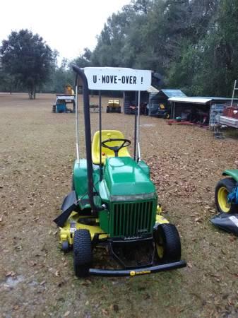 Photo FS Vintage John Deere 330 Diesel Lawn  Garden Tractor (Crawfordville)