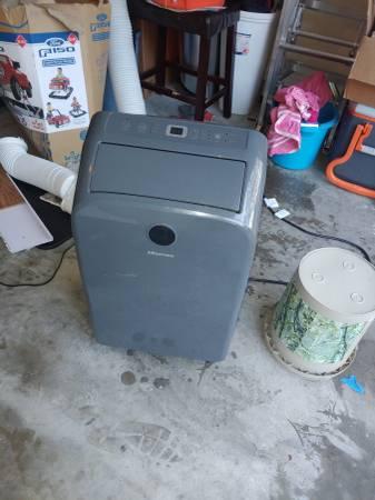 Photo Hisense 14K BTU Portable Air Conditioner - $320 (Tallahassee)