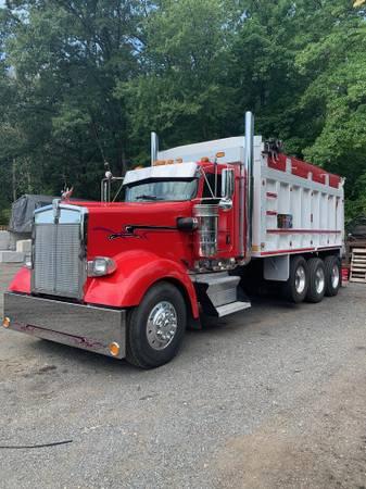 Photo Kenworth W900L Dump Truck - $75,000 (Saint Augustine, FL)