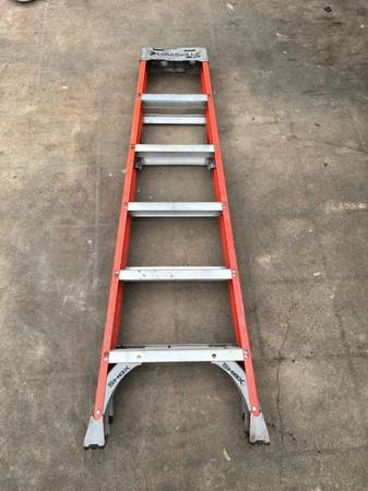 Photo Louisville Ladder 6 ft. Fiberglass Twin Step Ladder with 300 lbs. Load - $100 (Town  Country)