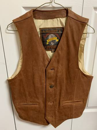 Photo Men39s Brown Leather Vest Size M - $50 (Tallahassee)